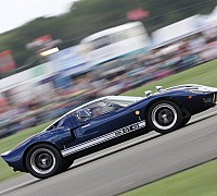 GT40 and crowds