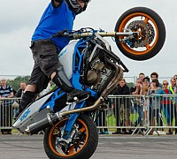 Stunt Zone learn2wheelie 1